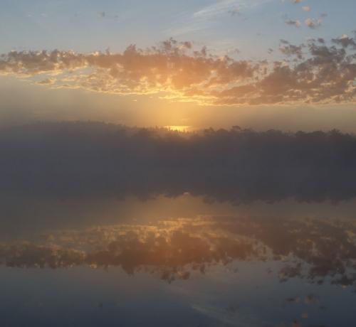Hommik rabajärve kaldal