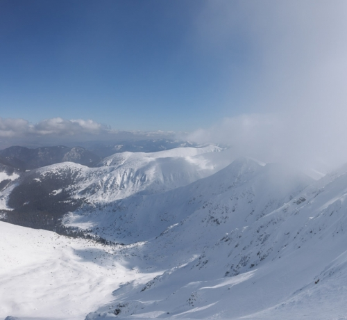 Mäed , lumi  ja päike..
