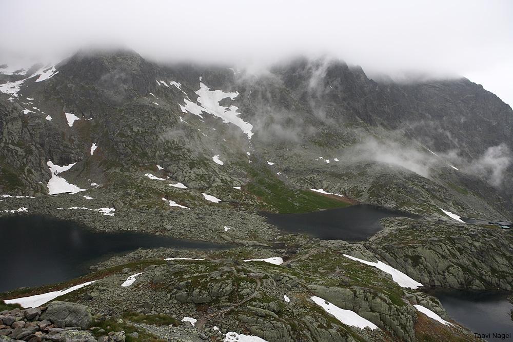 Mägede lummuses